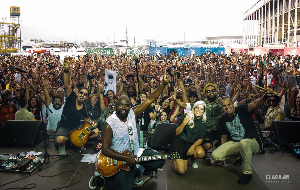 Memora, Drenna e o público do Rock in Rio. Foto: Divulgação/Clara Fotografia.