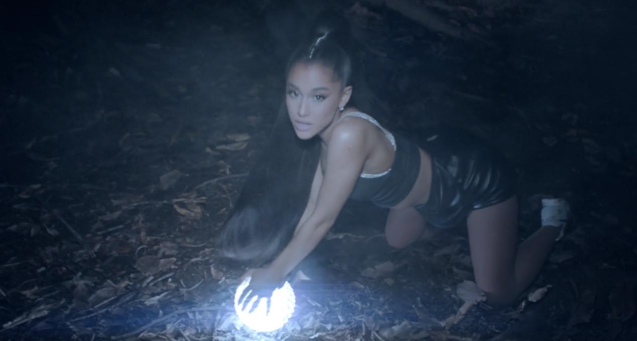 Ariana Grande. Foto: Reprodução/Vevo
