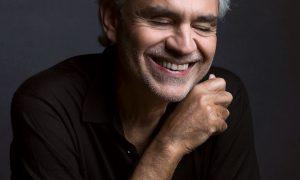 Andrea Bocelli. Foto: Divulgação/Mark Seliger/Decca Records