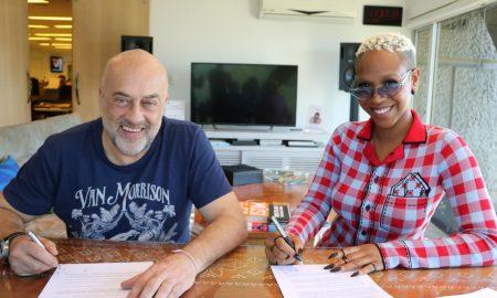 Paulo Junqueiro, presidente da Sony, e Karol Conka. Foto: Divulgação