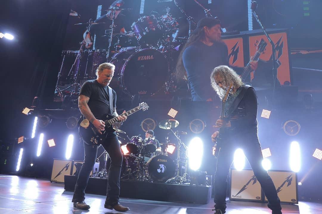Resultado de imagem para Metallica divulga vídeo gravado no tributo à Chris Cornell