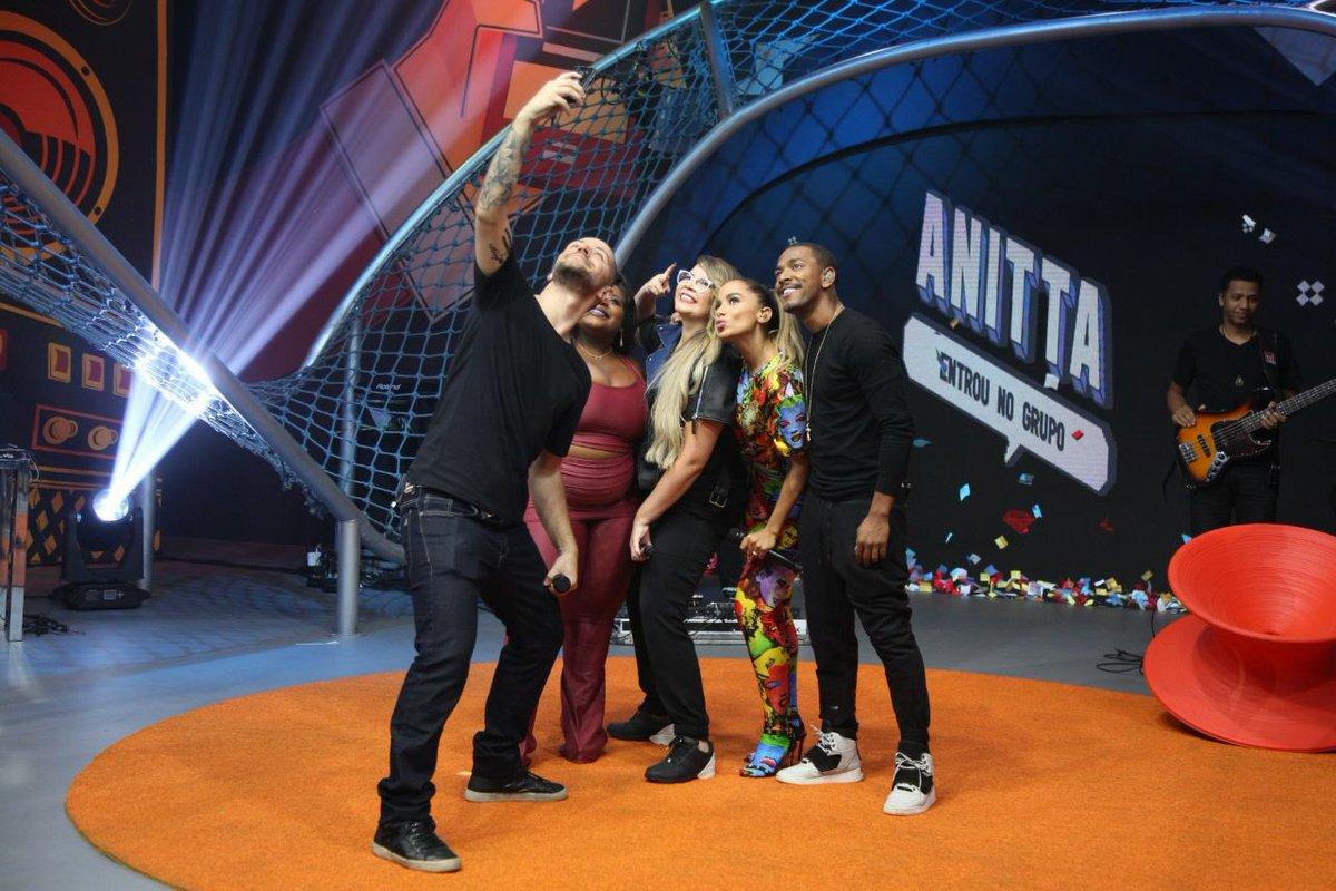 Anitta Entrou no grupo. Foto: Reprodução/Twitter