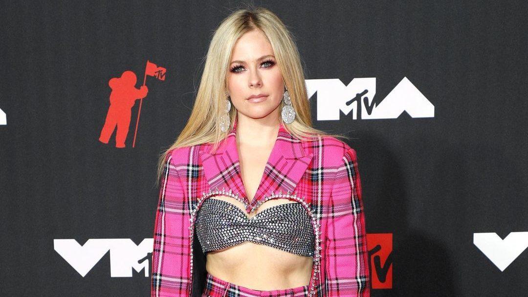 Avril Lavigne. Foto: Reprodução / Instagram (@vmas)